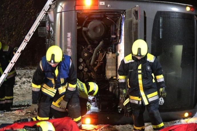 Unfall Reisebus B10 Kreuzung Tomerdingen 27022020 22