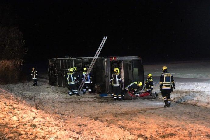 Unfall Reisebus B10 Kreuzung Tomerdingen 27022020 23