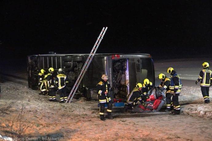 Unfall Reisebus B10 Kreuzung Tomerdingen 27022020 24
