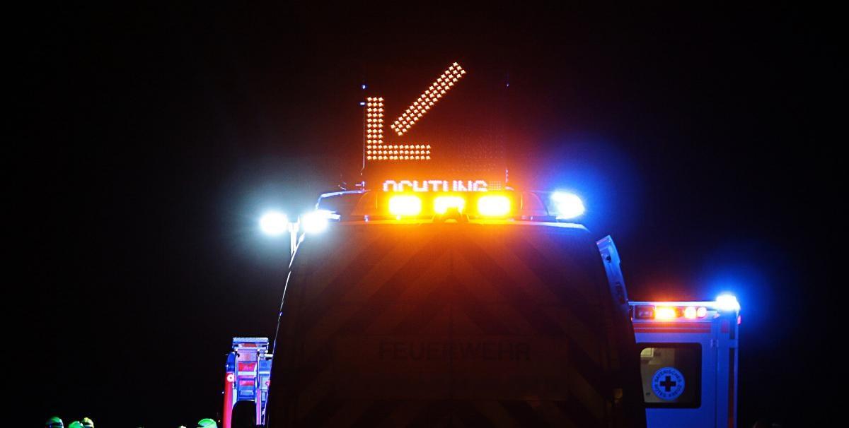 Feuerwehrfahrzeug Rettungswagen