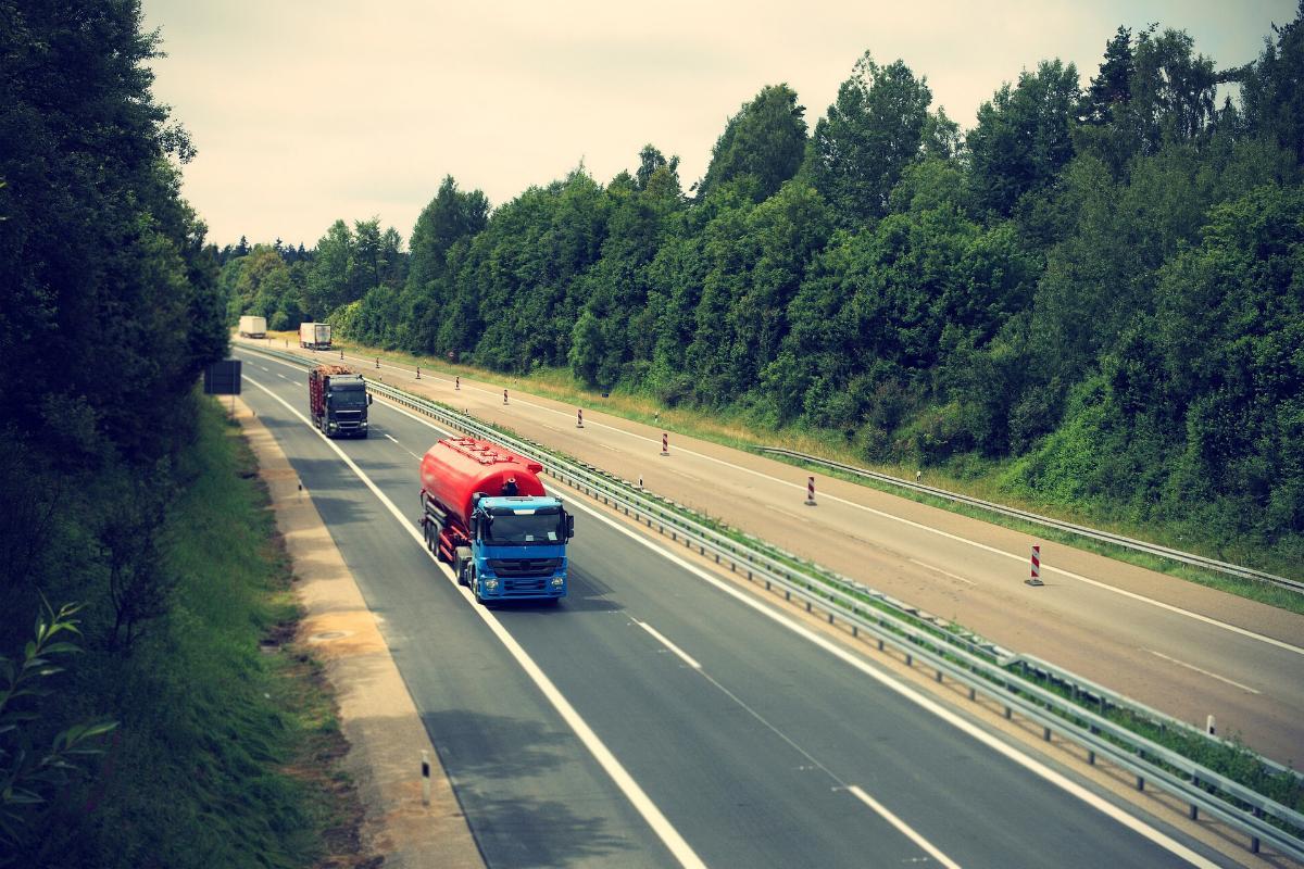 Lastwagen Autobahn