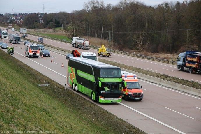 Unfall A8 Reisebus Pkw 05032020 5