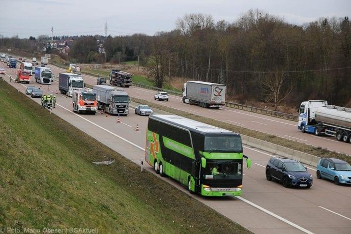Unfall A8 Reisebus Pkw 05032020 6