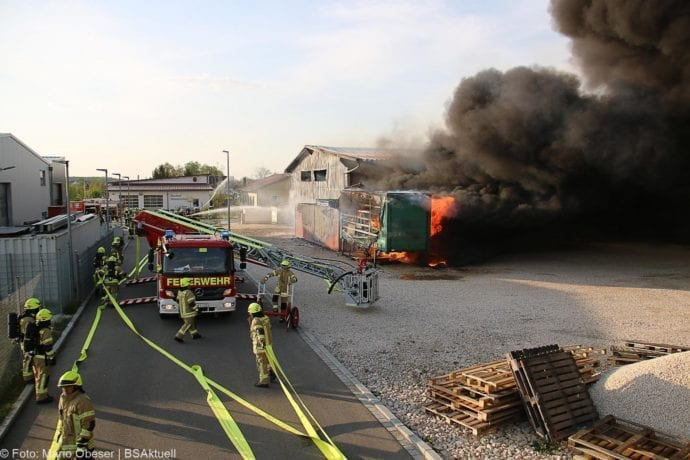 Brand Lagerhalle Waldstetten Ichenhausen 24042020 12