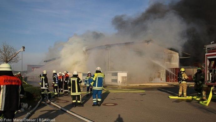 Brand Lagerhalle Waldstetten Ichenhausen 24042020 2