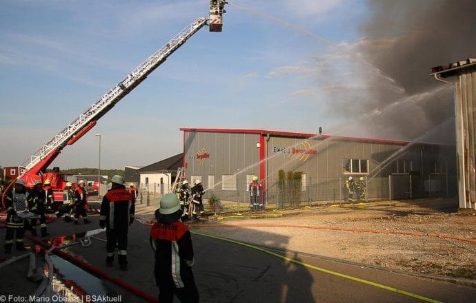 Brand Lagerhalle Waldstetten Ichenhausen 24042020 26