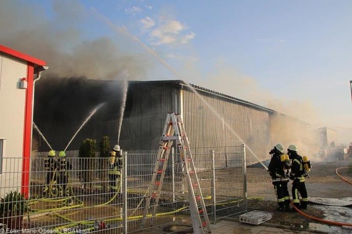 Brand Lagerhalle Waldstetten Ichenhausen 24042020 34