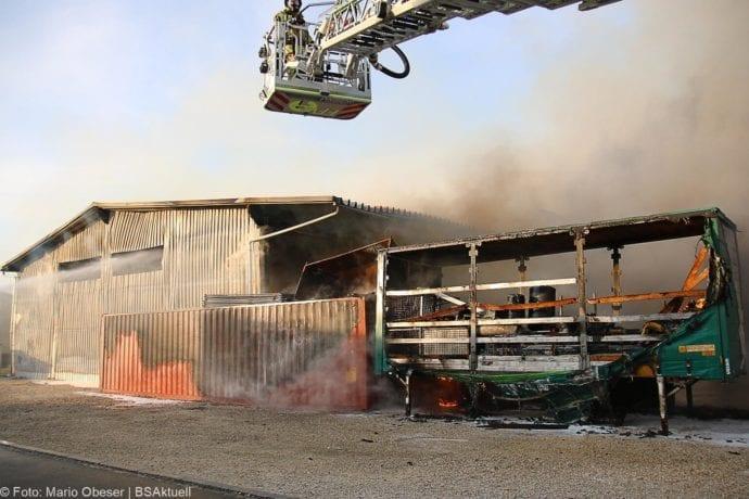 Brand Lagerhalle Waldstetten Ichenhausen 24042020 41