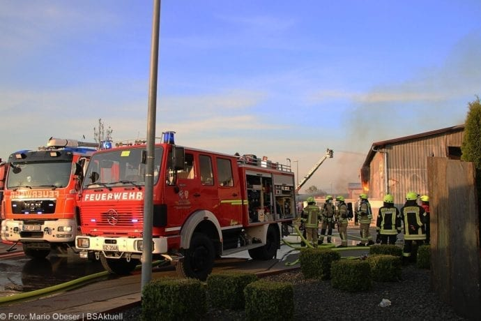 Brand Lagerhalle Waldstetten Ichenhausen 24042020 49