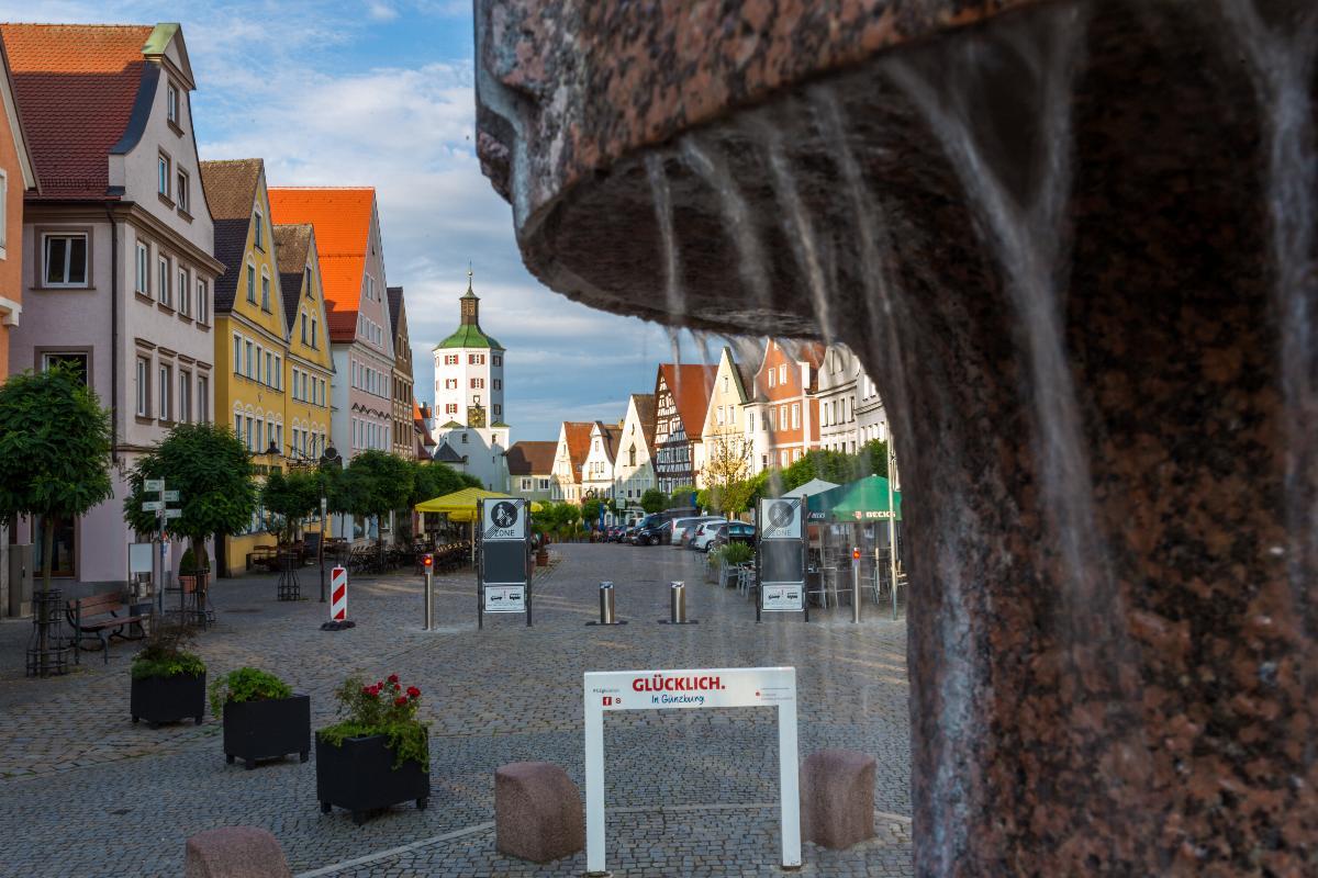 Marktplatz Guenzburg Fußgaengerzone aufgehoben