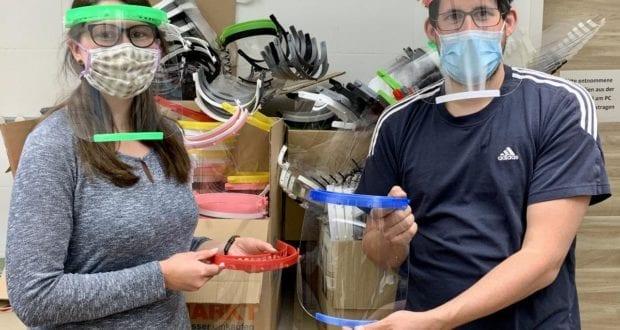 Schutzausrüstung 3D Drucker Engagement im Landkreis hergestellt LRA