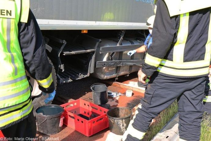 Unfall A8 Zus-Burgau Lkw gegen Sicherungsanhaenger 29052020 10