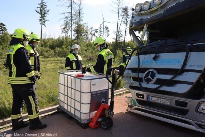 Unfall A8 Zus-Burgau Lkw gegen Sicherungsanhaenger 29052020 17
