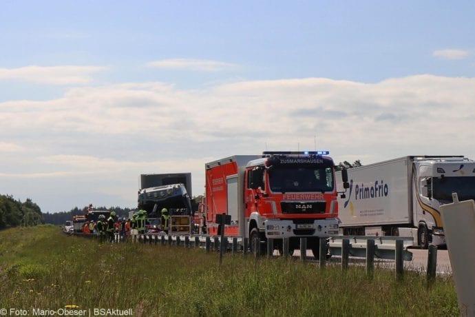 Unfall A8 Zus-Burgau Lkw gegen Sicherungsanhaenger 29052020 21