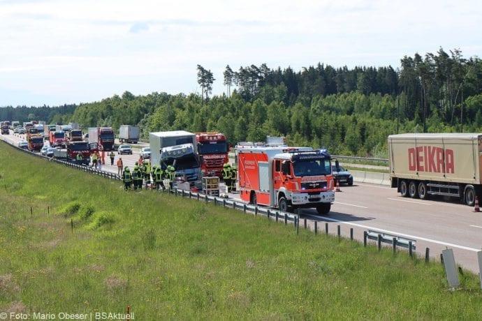Unfall A8 Zus-Burgau Lkw gegen Sicherungsanhaenger 29052020 22