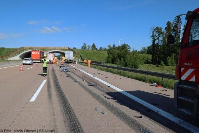 Unfall A8 Zus-Burgau Lkw gegen Sicherungsanhaenger 29052020 3