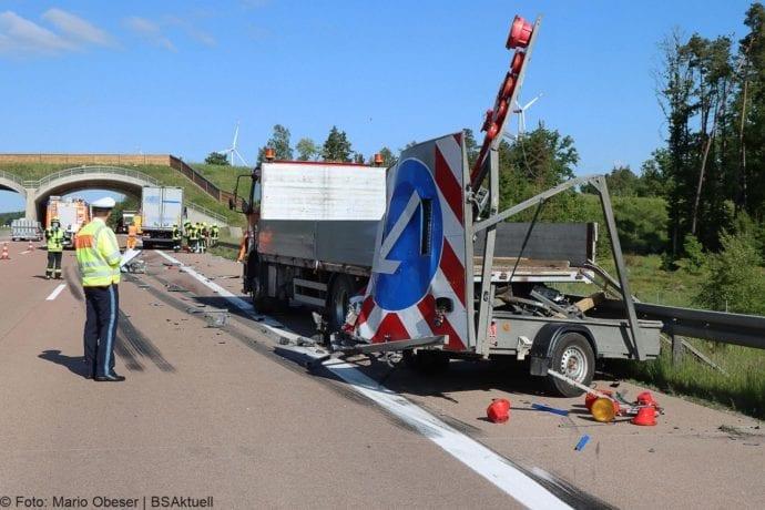 Unfall A8 Zus-Burgau Lkw gegen Sicherungsanhaenger 29052020 4