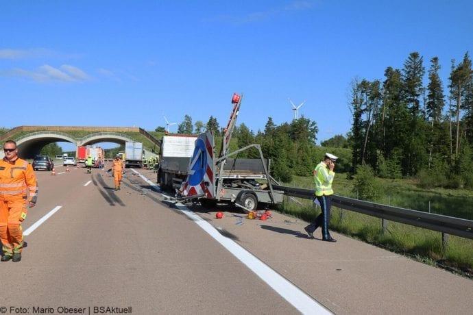 Unfall A8 Zus-Burgau Lkw gegen Sicherungsanhaenger 29052020 5