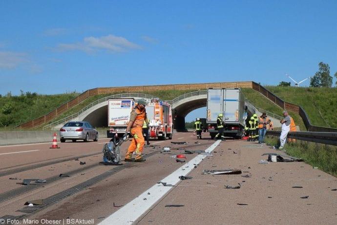 Unfall A8 Zus-Burgau Lkw gegen Sicherungsanhaenger 29052020 7