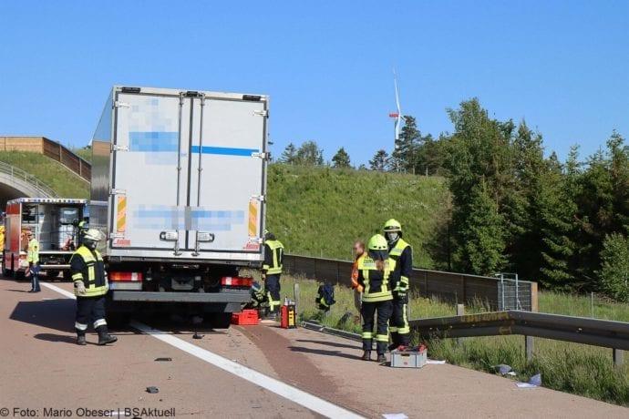 Unfall A8 Zus-Burgau Lkw gegen Sicherungsanhaenger 29052020 8
