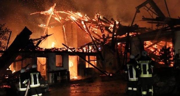 Brand landwirtschadfltliche Lagerhalle in Günzach