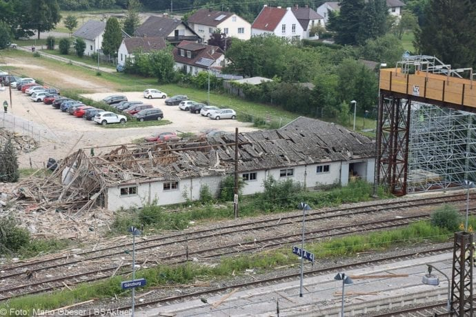 Guenzburg Explosion am Bahnhof 17062020 60