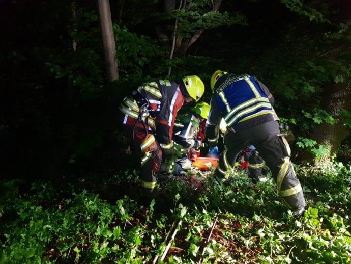 Rettung Person Abgerutscht Guenzburg 20062020 5 5