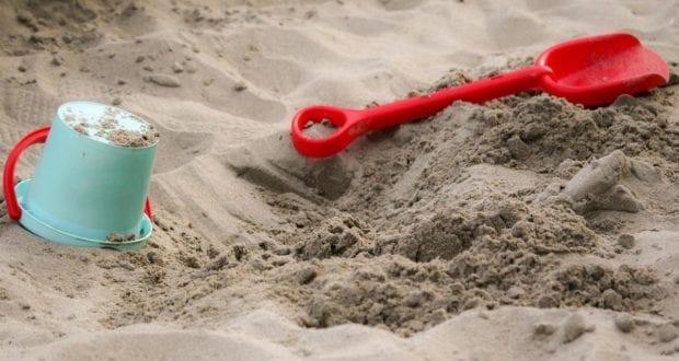 Sandkasten Sand
