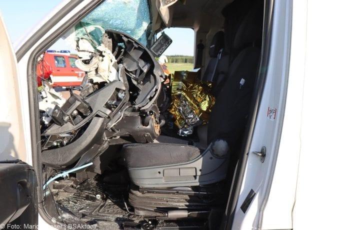 Unfall A8 Burgau-Zusmarshausen Transporter auf Lkw 02062020 11