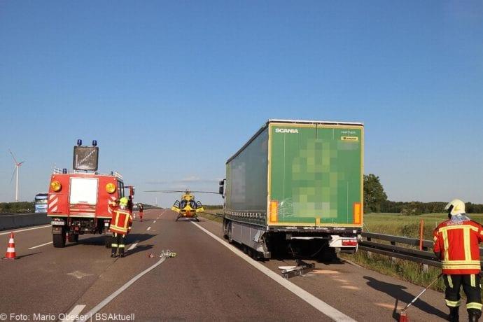 Unfall A8 Burgau-Zusmarshausen Transporter auf Lkw 02062020 20