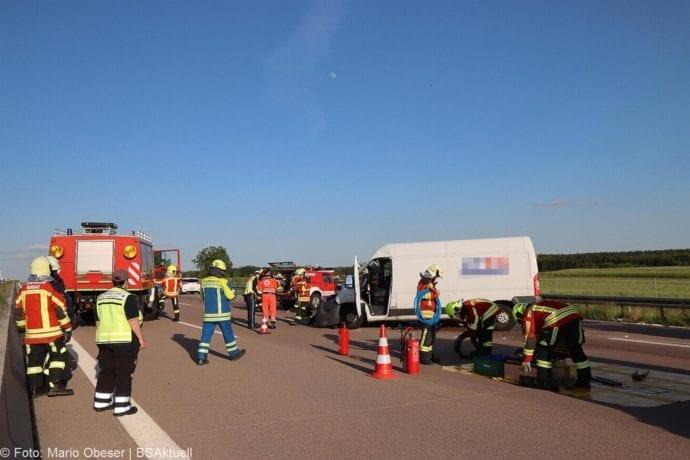 Unfall A8 Burgau-Zusmarshausen Transporter auf Lkw 02062020 30