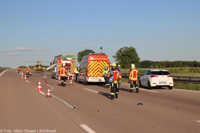 Unfall A8 Burgau-Zusmarshausen Transporter auf Lkw 02062020 31