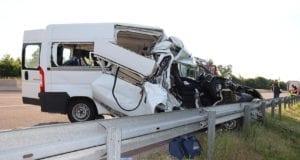 Unfall A8 Burgau-Zusmarshausen – Transporter gegen Sattelzug 13062020 7