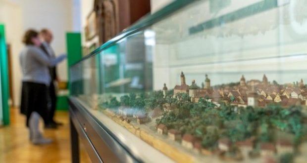 Wiedereroeffnung Heimatmuseum Guenzburg Stadtmodell