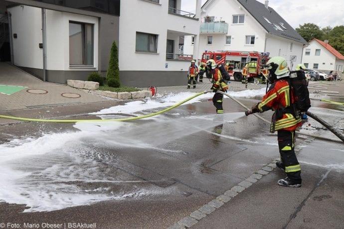 Burgau PKW-Brand auf Anhaenger 11072020 9