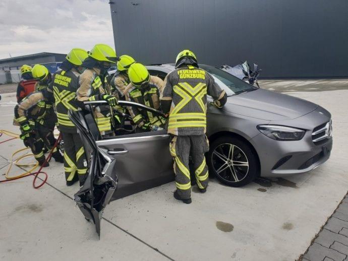 Feuerwehr Guenzburg – teschnische Rettung aus Pkw 6