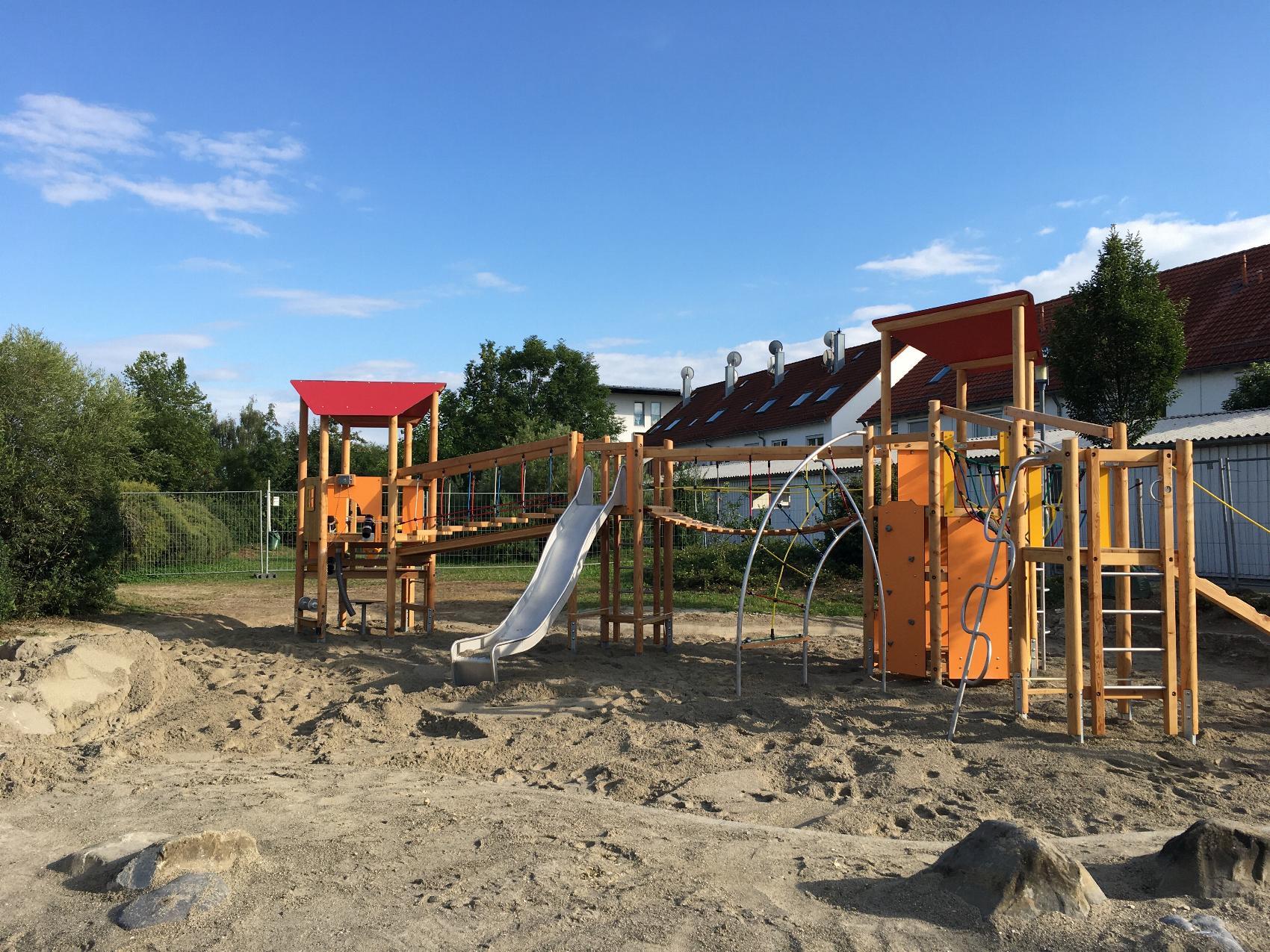 Offenhausen Spielplatz Kreuzaecker