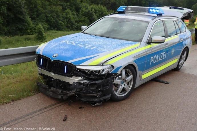 Unfall A8 Polizeifahrzeug Guenzburg Burgau 02072020 12