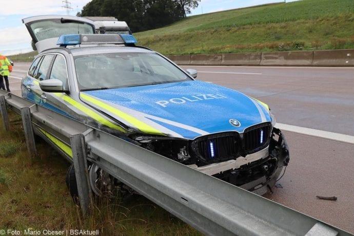 Unfall A8 Polizeifahrzeug Guenzburg Burgau 02072020 3