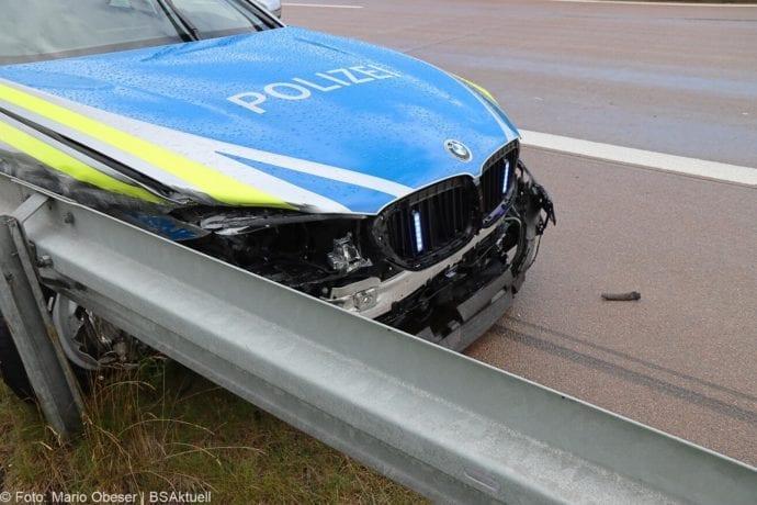 Unfall A8 Polizeifahrzeug Guenzburg Burgau 02072020 4