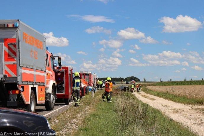 Unfall Cabrio zw Leinheim und Kreisverkehr Limbach 27072020 14