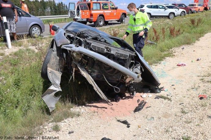 Unfall Cabrio zw Leinheim und Kreisverkehr Limbach 27072020 6