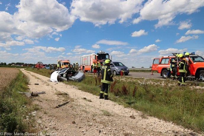 Unfall Cabrio zw Leinheim und Kreisverkehr Limbach 27072020 7