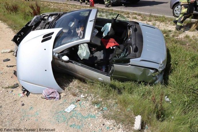 Unfall Cabrio zw Leinheim und Kreisverkehr Limbach 27072020 9