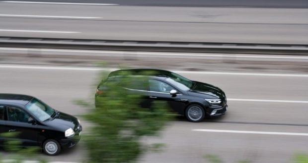 Autobahn Straße Ueberholen
