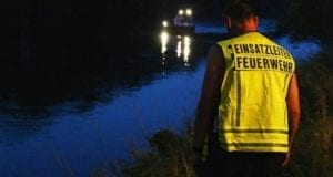 Einsatzleiter-Feuerwehr-Boot suche
