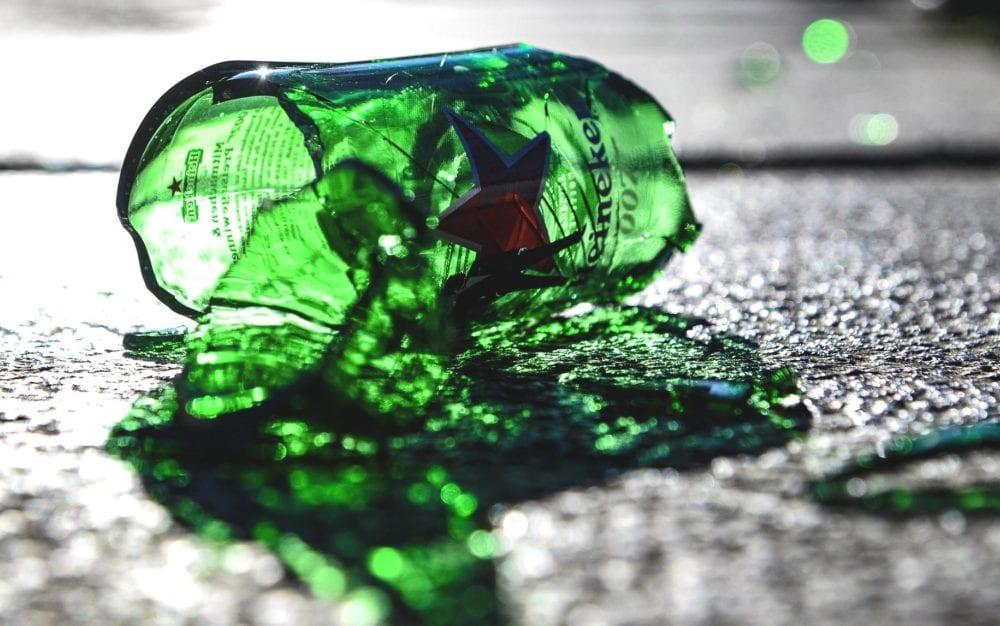 Flasche kaputt Scherben
