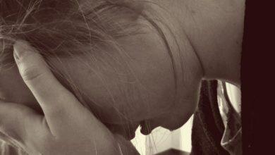 Frau verzweifelt Traurig