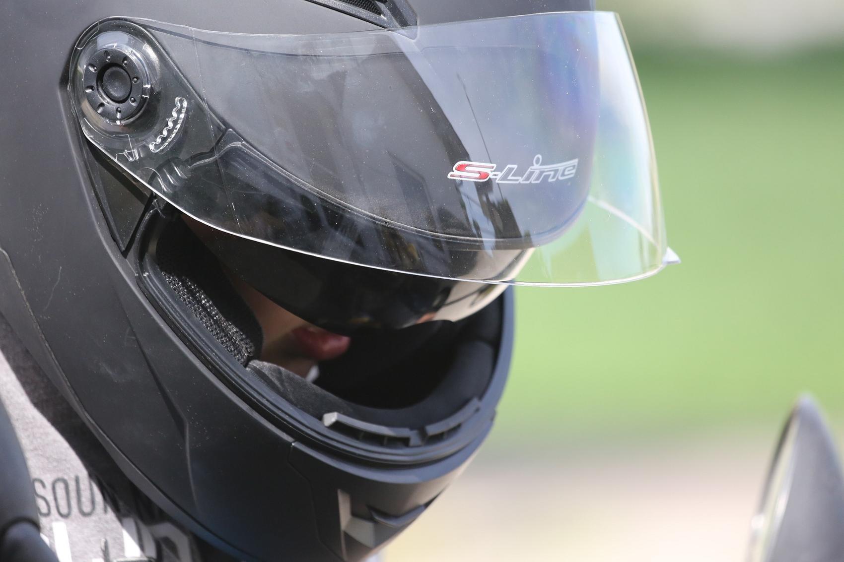 Helm Motorrad Roller