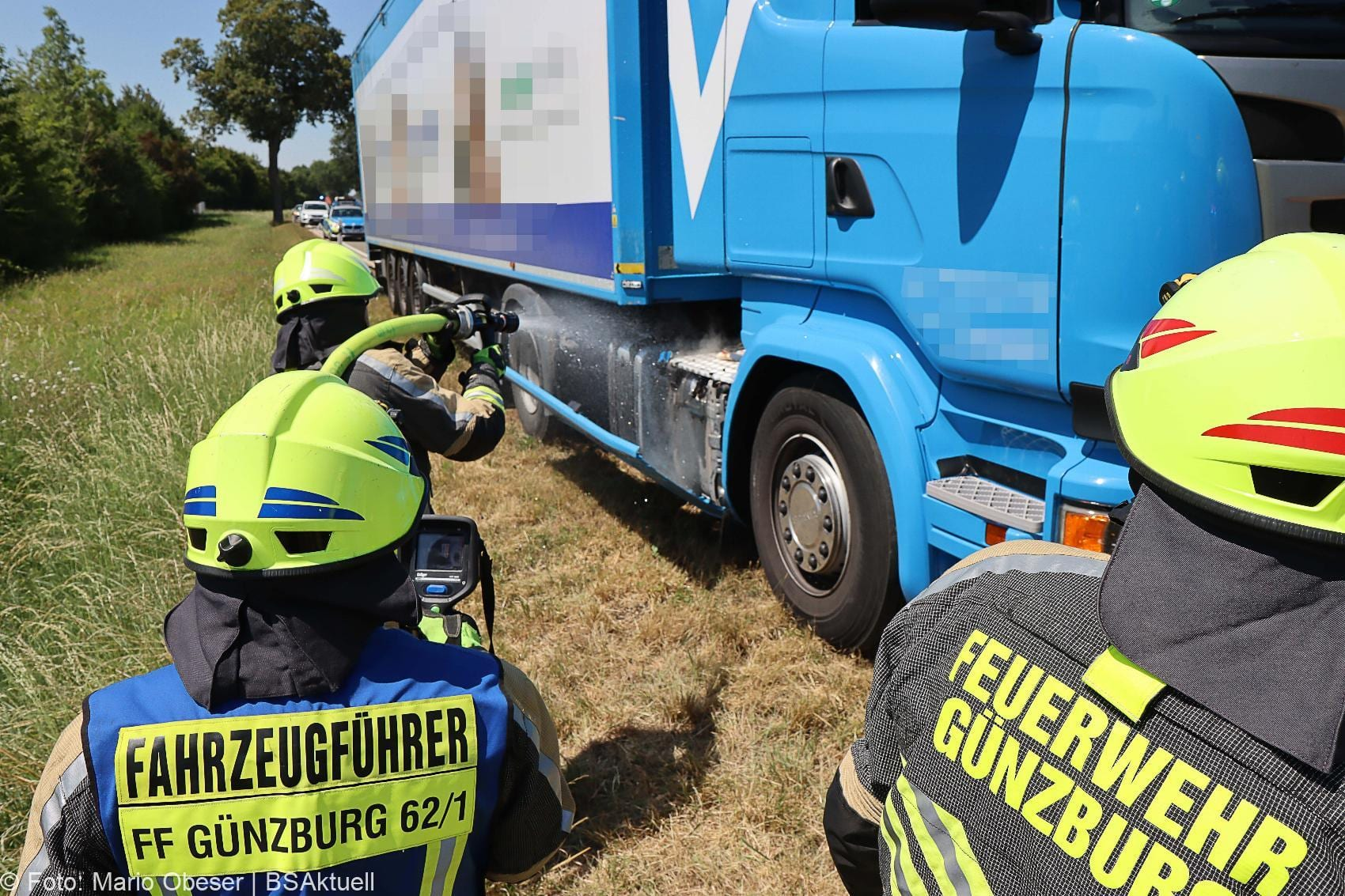Lkw Raucht Guenzburg Riedstrase 31072020 3